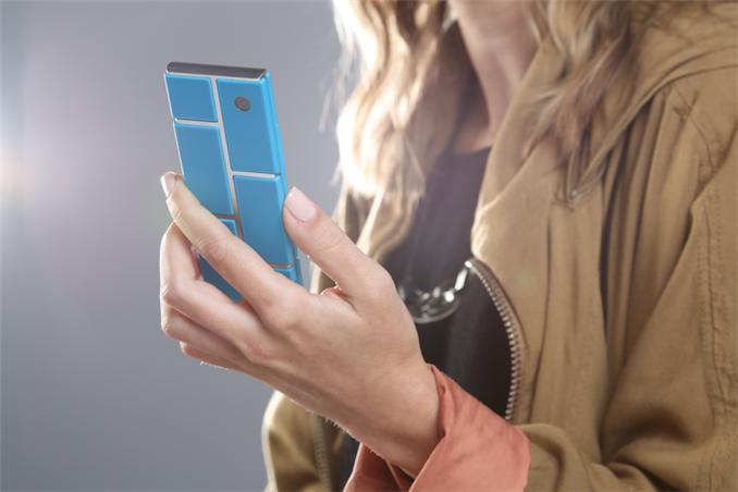 Telefone criado por jovem pode mudar o rumo da indústria eletrônica