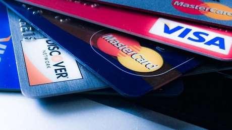 O começo do fim do cartão de crédito.